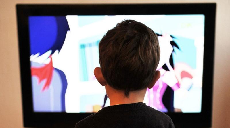 Psiholog Cristina Eftimie: Copilul mic și televizorul