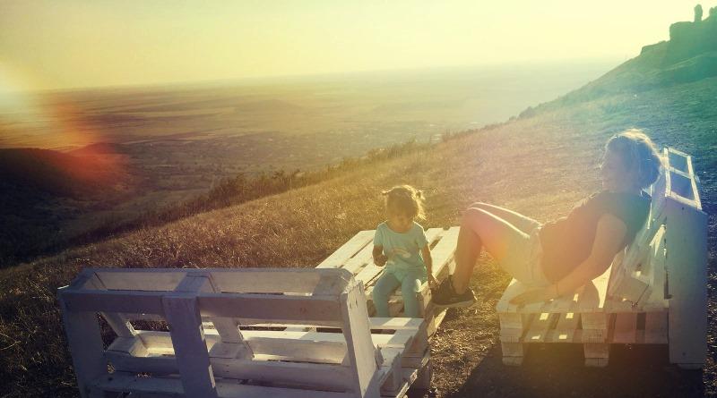 Psiholog Cristina Eftimie: Copiii ne pedepsesc atunci când nu ne facem timp pentru ei